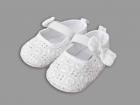 Pantofiori albi cu bareta si fundita