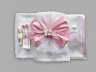 Trusou pentru botez cu brosa fluturas roz si fundita cu tul