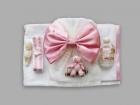 Trusou pentru botez cu fundita si ursulet roz in leagan