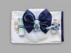 Trusou pentru botez cu ursulet bleu si funda bleumarin