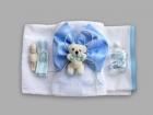 Trusou pentru botez cu ursulet crem si funda bleu cu snur